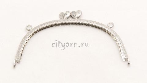 Фермуар цвета светлого металла с сердечками в точках, размер 16.5*10 см, код 994078