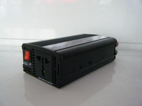 Инвертор 12-220V YURNIX Юрникс 1500W 12 на 220вольт 1500 Ват преобразователь напряжения
