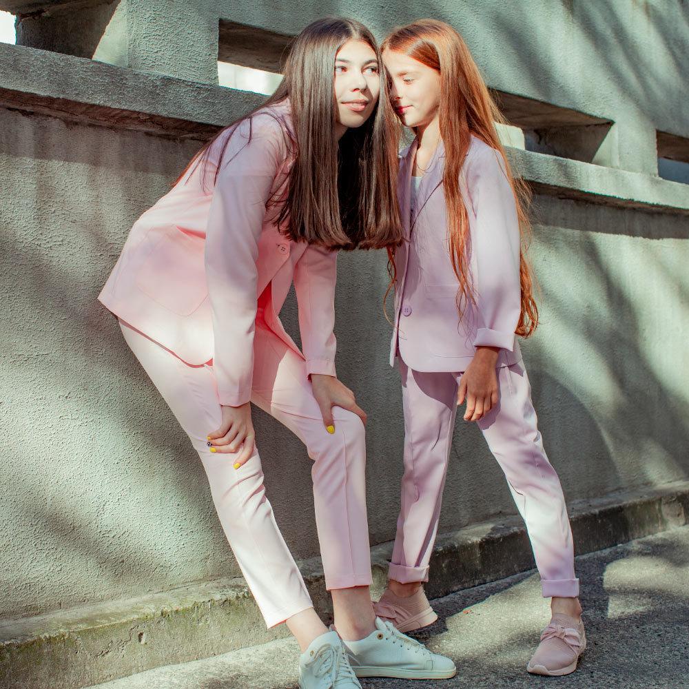 Підлітковий літній брючний костюм в рожевому кольорі для дівчинки