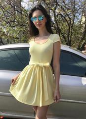 Бант. Яскраве молодіжне літнє плаття. Жовтий