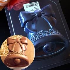 Пластиковая форма для шоколада дет. КОЛОКОЛЬЧИК С БАНТОМ  9см