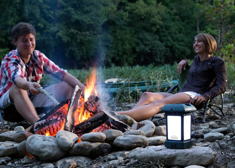 Лампа противомоскитная ThermaCell Outdoor Lantern, на природе.