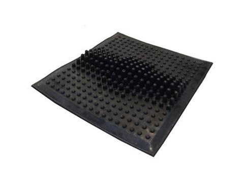 Массажный коврик. Материал: резина на основе натурального каучука. Размер: 260 х 265 мм. Вес: 650 г :(1305):