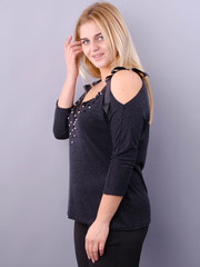 Фенікс. Оригінальна блуза для великих розмірів. Графіт.