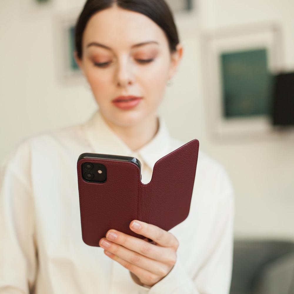 Чехол Benoit для iPhone 12/12Pro из натуральной кожи теленка, бордового цвета