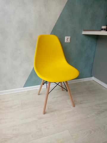 Интерьерный кухонный стул Eames DSW Style Wood, желтый