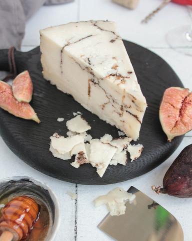 Сыр из Овечьего молока с трюфелем, кг