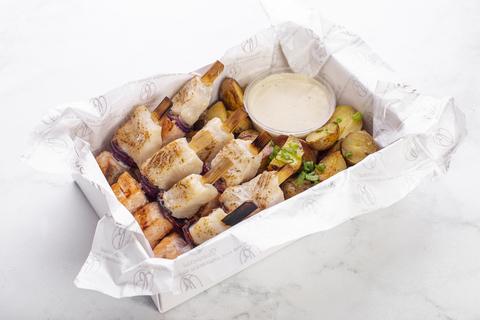 Шашлык из лосося и судака с картофелем