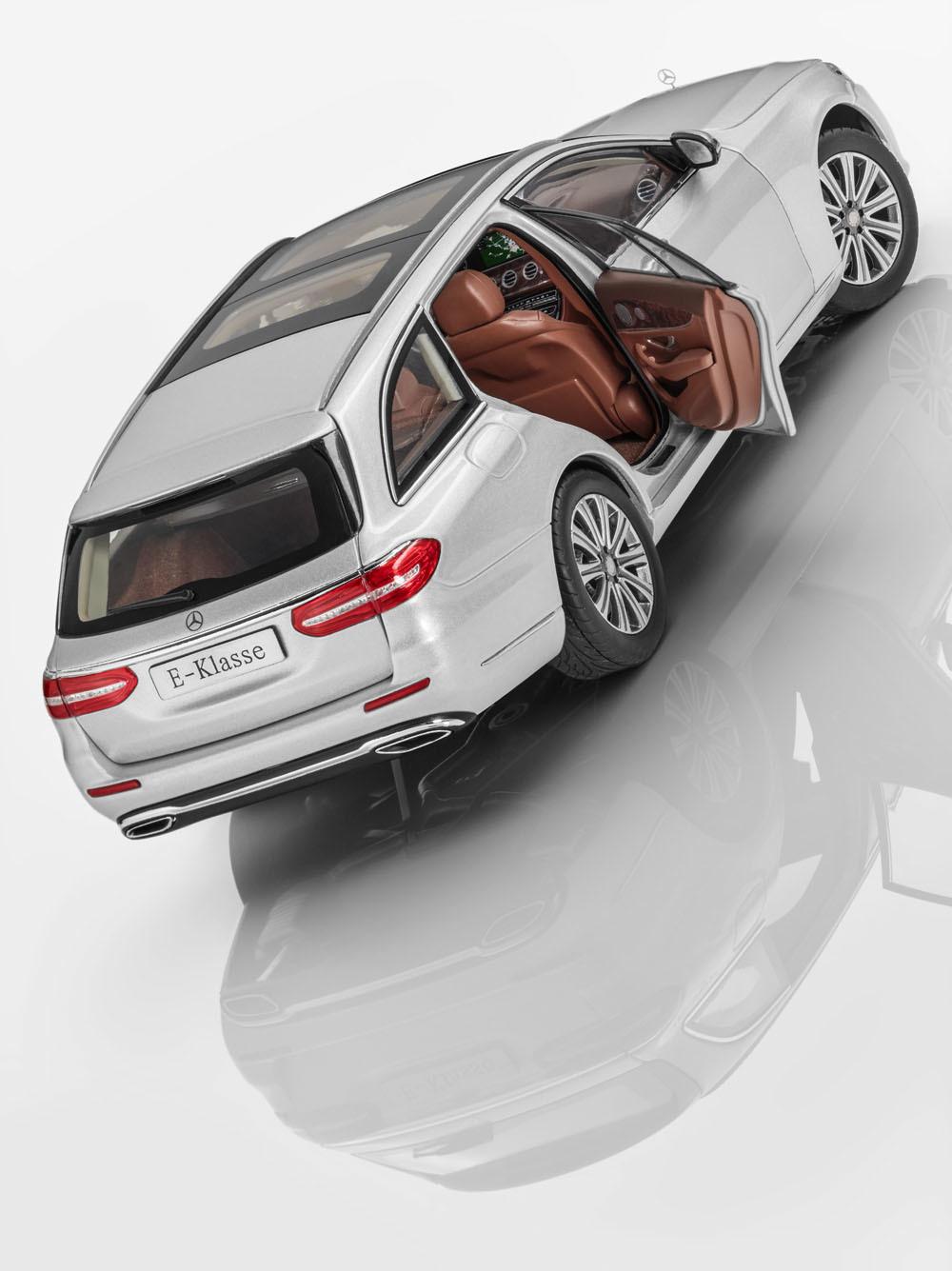 Коллекционная модель Mercedes-Benz E-Class S213 T-Modell 2015 Iridium Silver