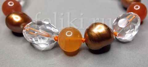 браслет из сердолика, горного хрусталя и жемчуга