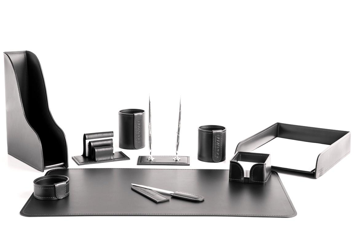 Настольный набор из черной кожи для кабинета фото