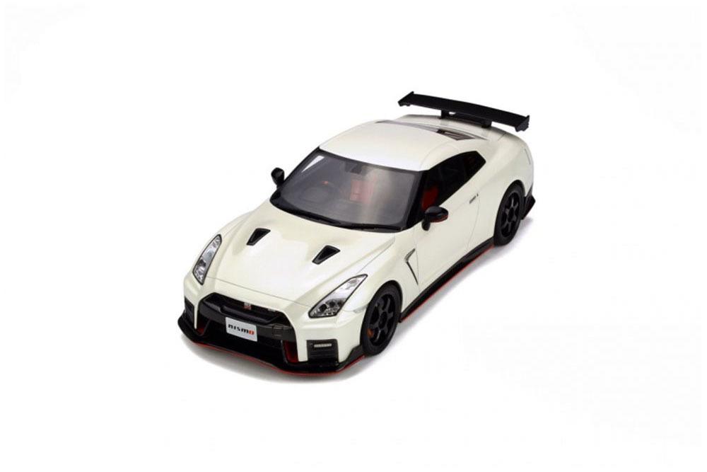 Коллекционная модель NISSAN GT-R NISMO 2017 WHITE