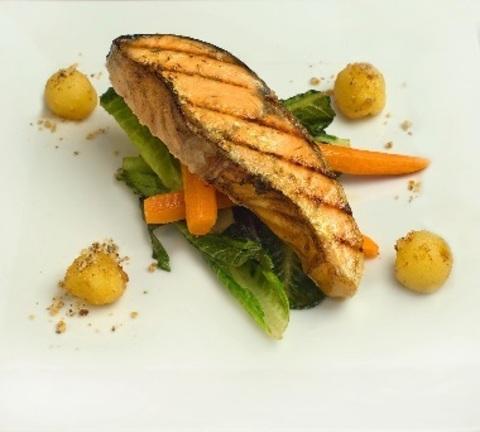 Лосось печена з овочами