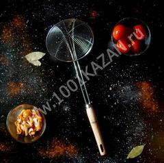 Шумовка-паук с деревянной ручкой, d=16см