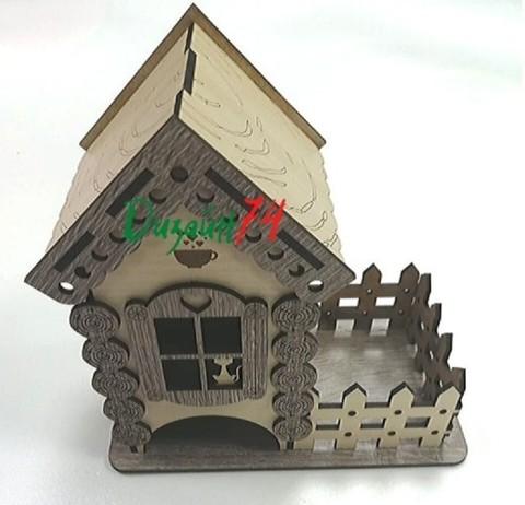 Чайный домик, размером 18х18х10,5см. Серые ставни.