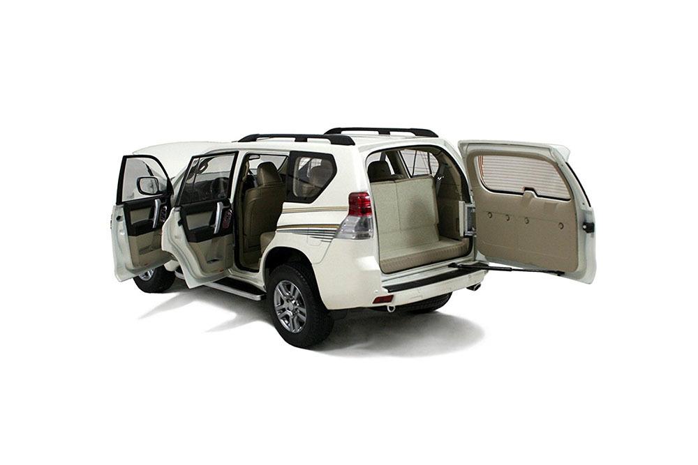 Коллекционная модель Toyota Land Cruiser Prado 2014 White