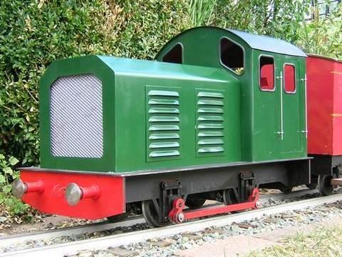 Garden Rail Локомотив TROJAN SHUNTER на колею 12,7 см, электрический