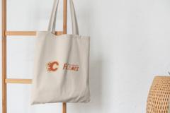 Сумка-шоппер с принтом НХЛ Калгари Флэймз (NHL Calgary Flames) бежевая 008