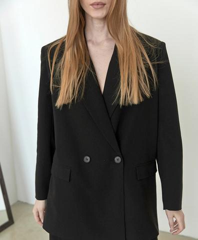Пиджак мужского типа с 2-мя шлицами черный
