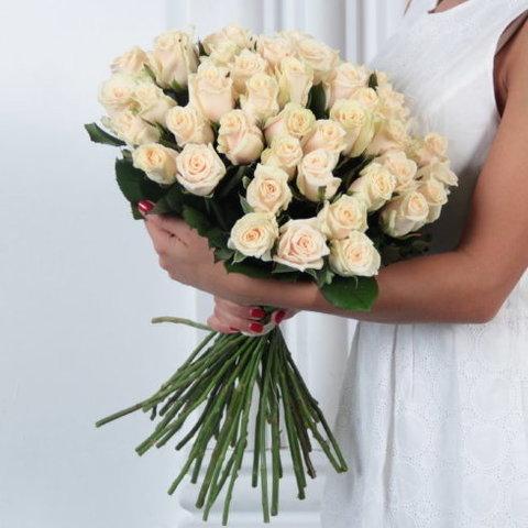 Букет 35 кремовых роз Talea