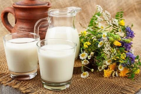 Молоко 3.2-4.4% Зеленоградское пак. МОЛОЧКА ИП ГЛАДИЙ 1л