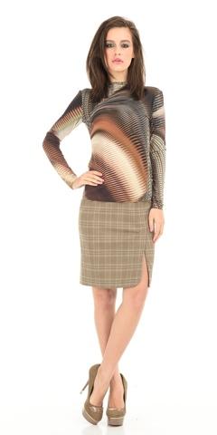 Фото офисная бежевая юбка прямого силуэта с разрезом - Юбка Б005-143 (1)