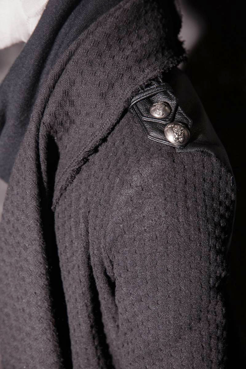 Пальто-накидка «ERNED»