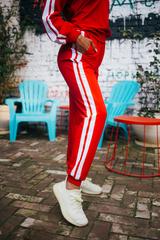 Спортивный костюм из толстовки и штанов красный оптом
