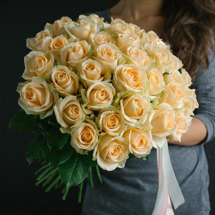 Купить букет 35 персиковых роз в Перми
