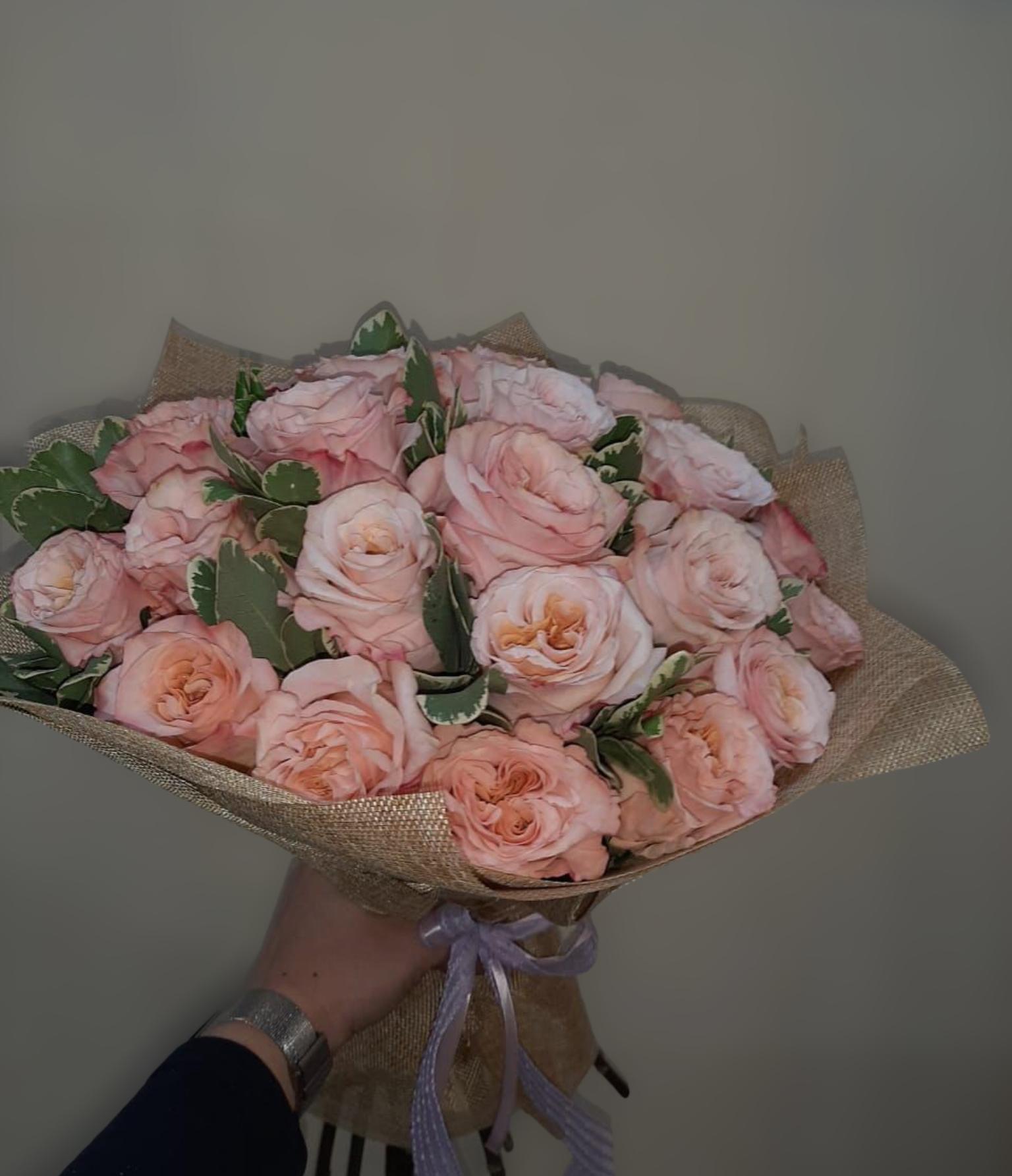 Букет с пионовидной розой (Б-23)