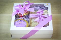 Подарочный набор HoneyForYou с крем-медом и сотовым медом в лавандовом оформлении