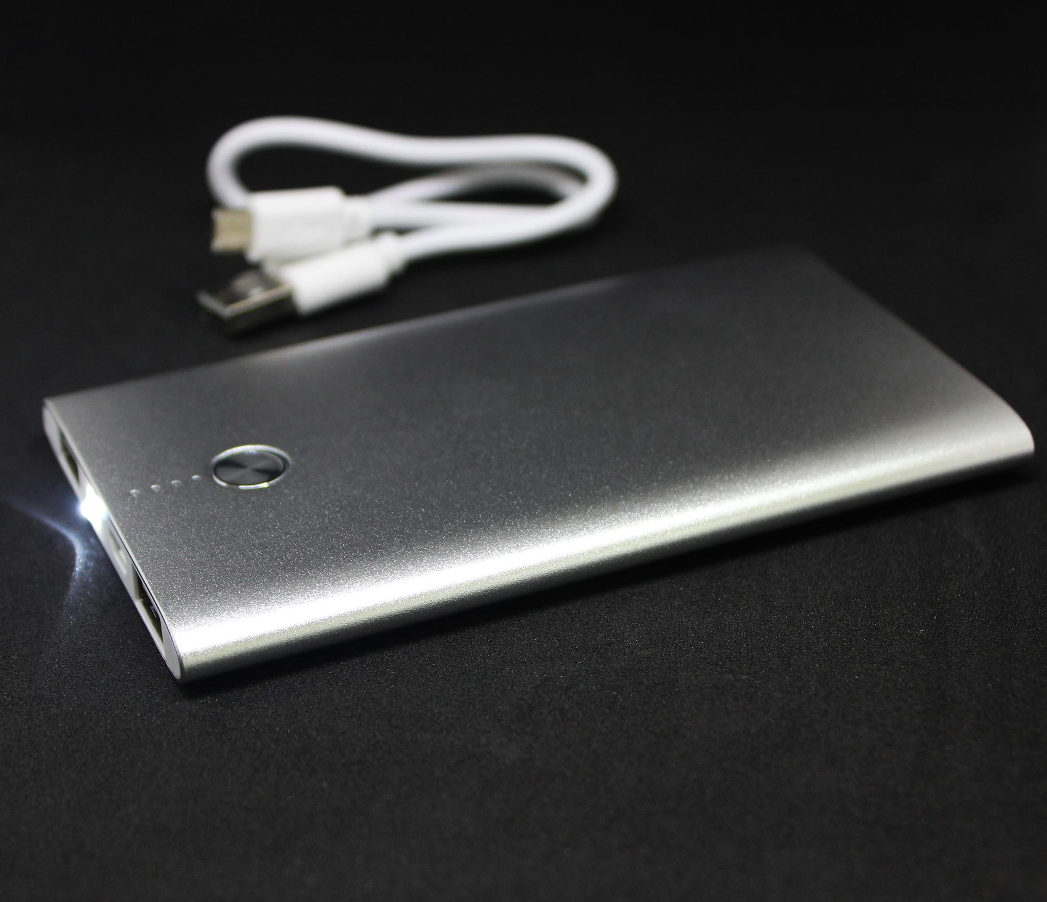 power bank в розницу 4000 mah внешний аккумулятор легкий с кнопкой