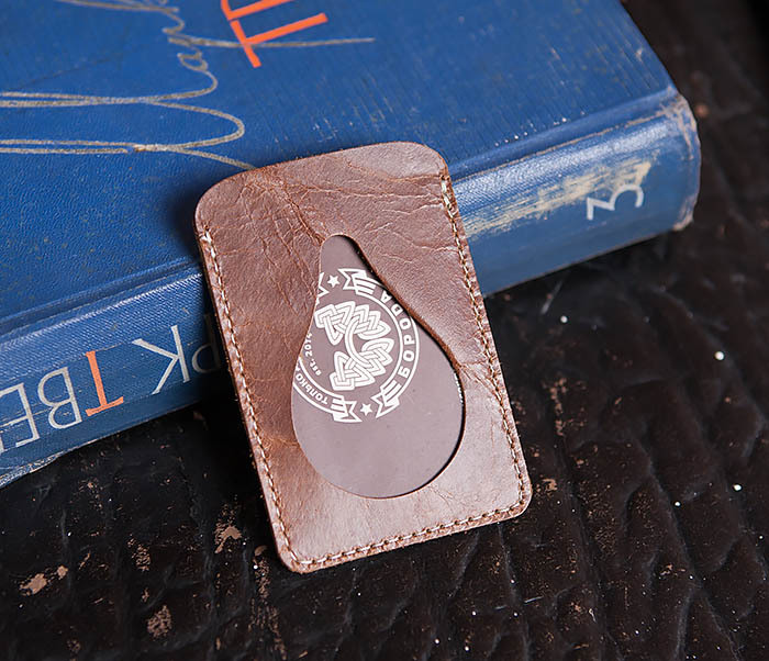 WL248-2 Кожаный коричневый чехол кардхолдер для карточки, абонемента, пропуска