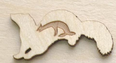 Магнит ДекорКоми на холодильник из дерева Куница