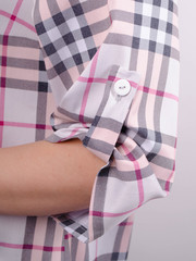 Делюкс. Стильна жіноча сорочка плюс сайз. Клітинка пудра.