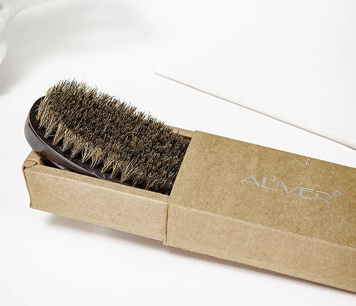 CARE150-1 Деревянная щетка для бороды в коробке фото 02
