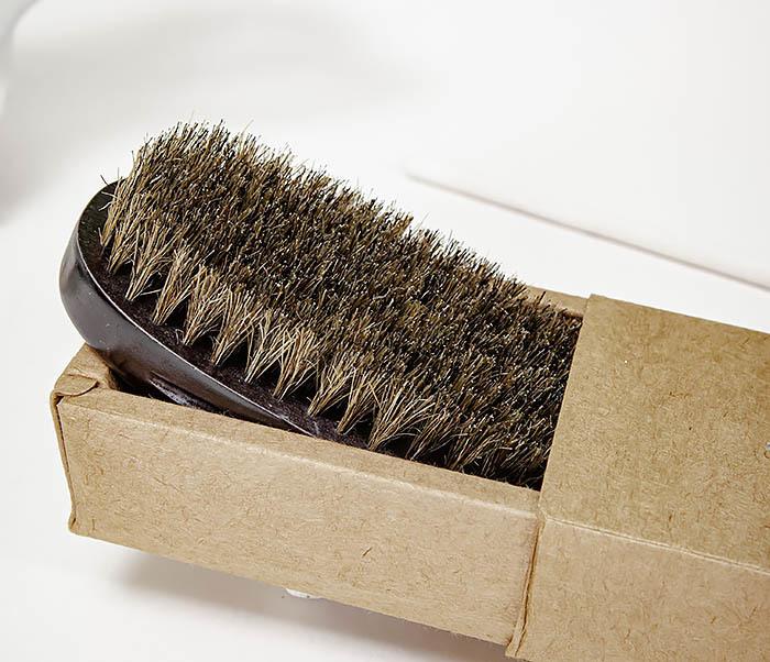 CARE150-1 Деревянная щетка для бороды в коробке фото 03