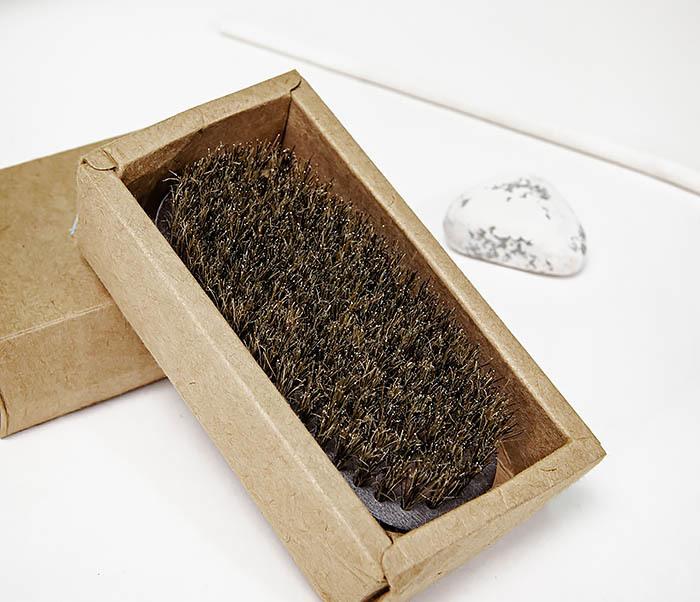 CARE150-1 Деревянная щетка для бороды в коробке фото 04