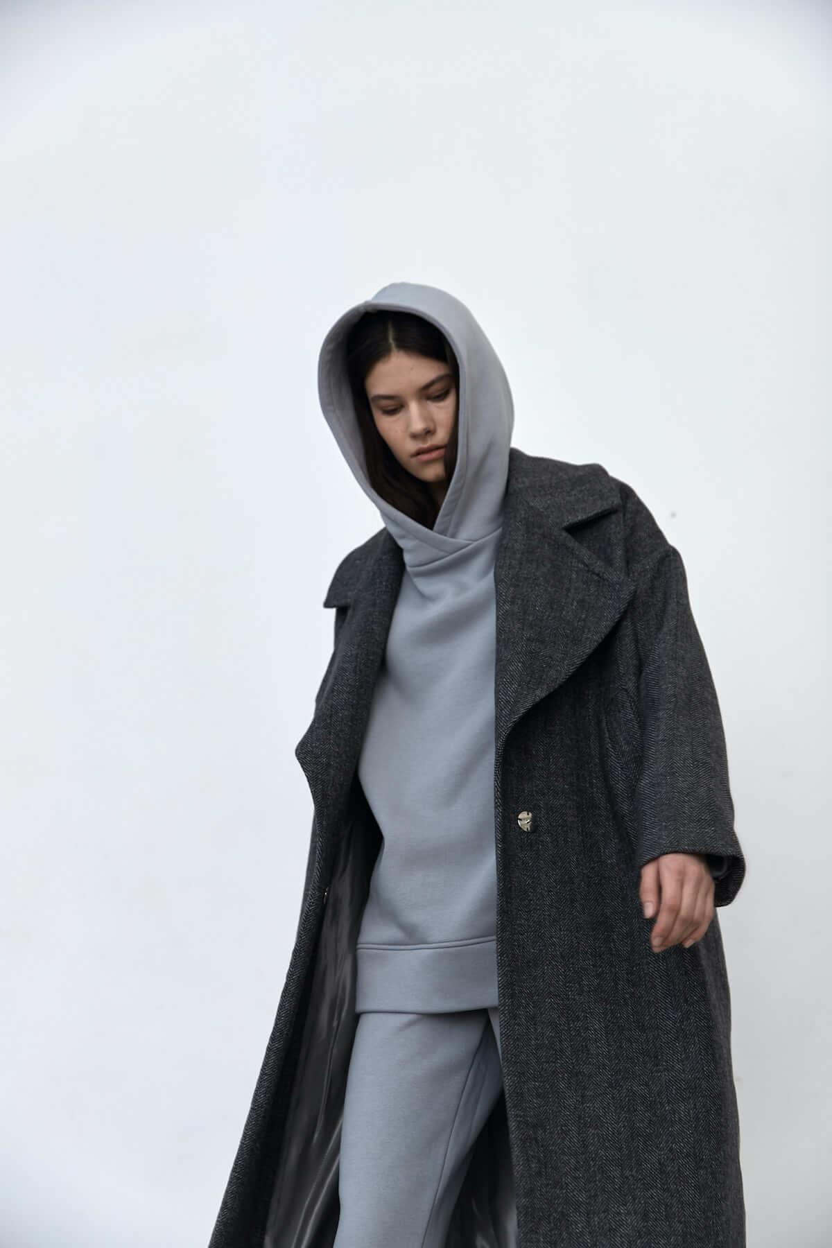 Пальто с большим лацканом, серая елочка