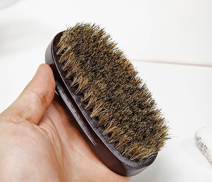 CARE150-1 Деревянная щетка для бороды в коробке фото 08