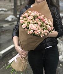 Букет из 25 кустовых роз