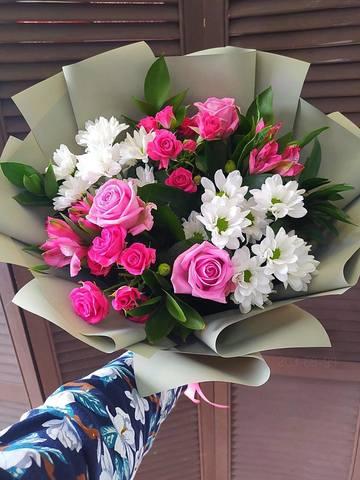 Сборный букет из роз и хризантем #11709