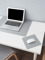 Комплект ковриков на стол, цвет серый
