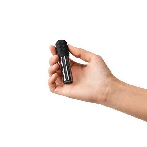 Черная вибропулька Le Wand Bullet с 2 нежными насадками