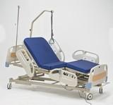 Функциональная электрическая кровать с центральным тормозом  RS305