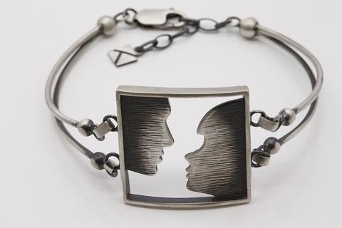 Браслет из серебра 925 пробы по цене 6300 руб. БТ-АР355401500 Литва.