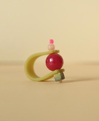 Кольцо на зеленом ремешке ЛЕСНАЯ ФИАЛКА