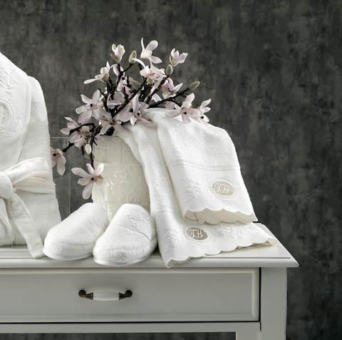 ANTOINETTE кремовый женский халат с полотенцем и тапочками Tivolyo Home (Турция)