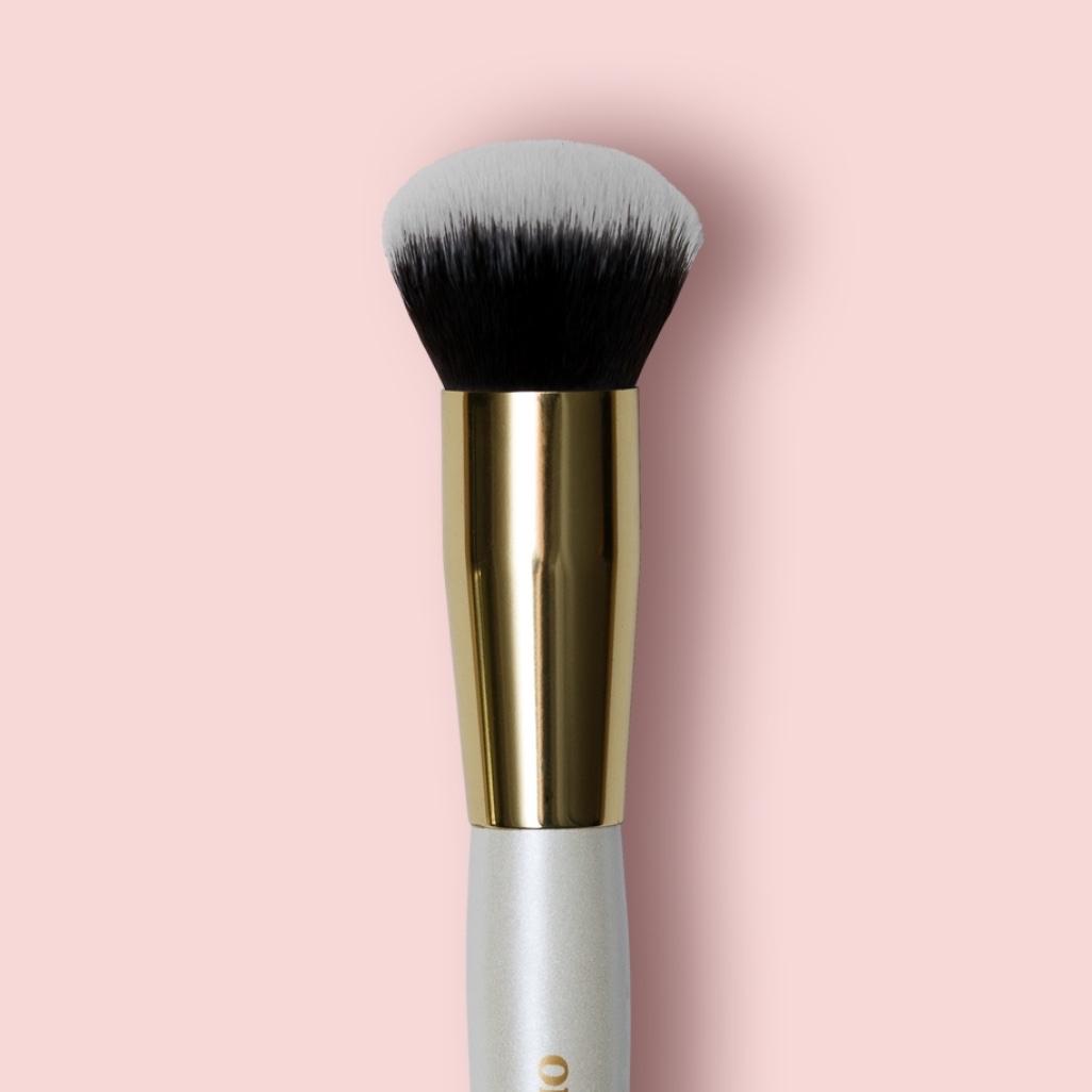 Oh My brush Deluxe Foundation Brush 101