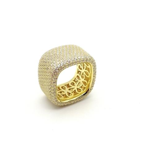 47437- Широкое, квадратное кольцо из серебра в лимонной позолотой в обсыпке из микроцирконов